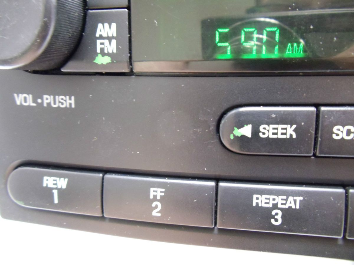 05 06 07 Ford Radio F250 F350 Freestar Focus 6 Disc Changer CD Player