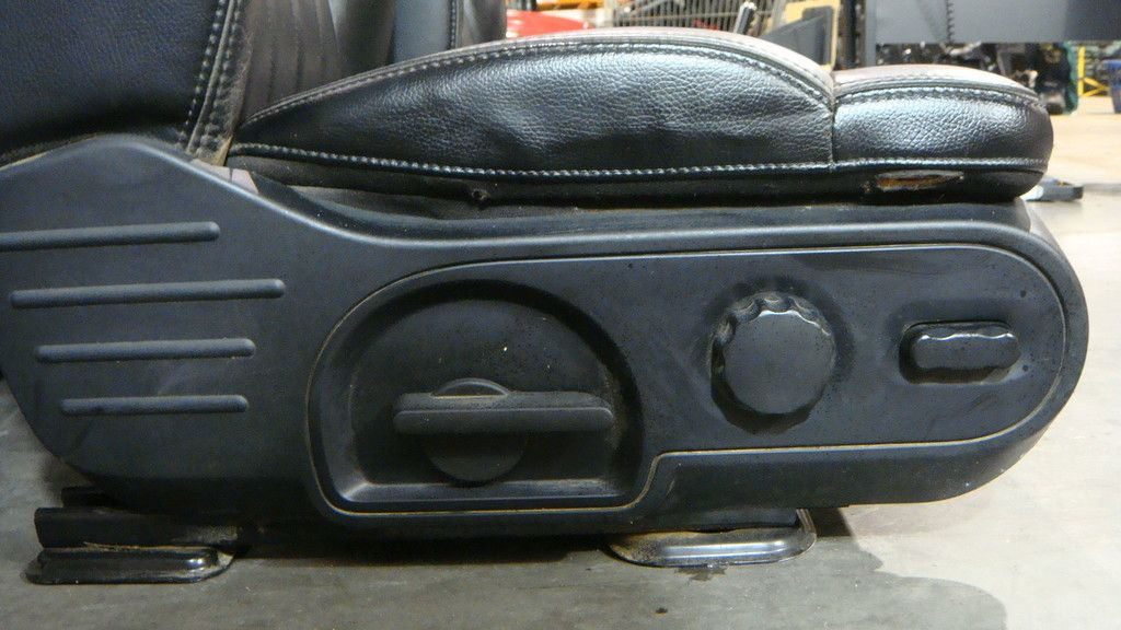 2004 2008 Ford F150 Harley Davidson Complete Black Leather Seat Set